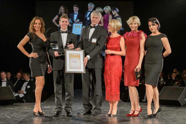 uitreiking award tijdens maritiem Gala