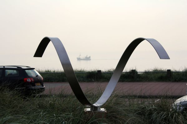 Wave- Heart - abstract modern sculptuur van RVS