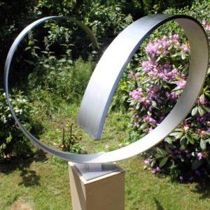 Heart - abstract modern sculptuur van RVS