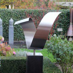 RVS tuinbeeld- hart wave kunstwerk in tuin