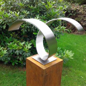 abstract RVS sculptuur