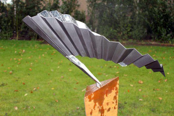 detail abstract-vogelbeeld van een zwaluw