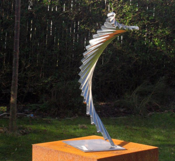 award-prize image-stainless steel-sculpture-prince-bernard-fund-the-plume