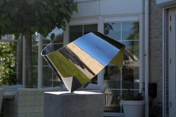 Wave- kunst in opdracht exclusieve RVS sculptuur voor mooie tuin