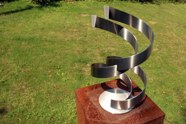 geometric stainless steel sculpture for wedding