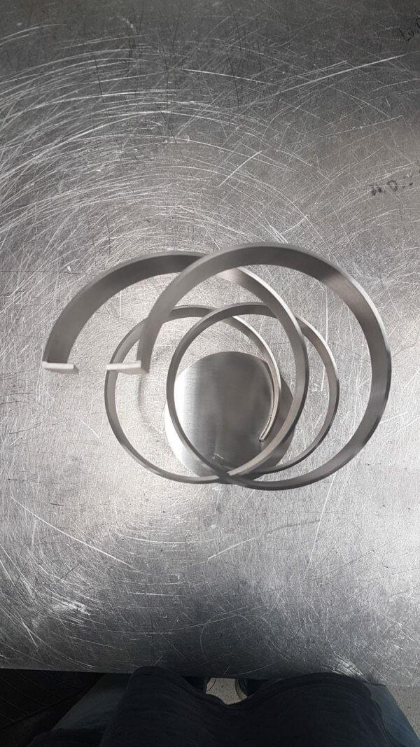 mooie foto van geometriusch kunstwerk van boven