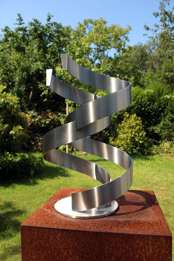 Stainless steel artwork in the sun