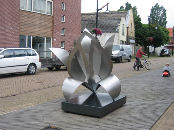 art-commissioned stainless steel sculpture municipality Lelie