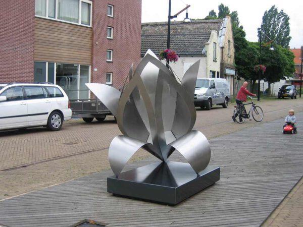kunst-in-opdracht RVS sculptuur gemeente Lelie