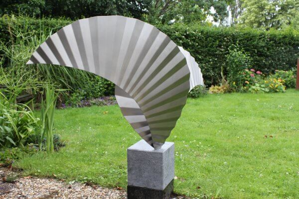 art assignment stainless steel sculpture Wings