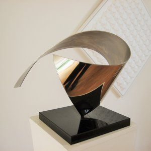 modern-abstract-stainless steel-sculpture-mirroring