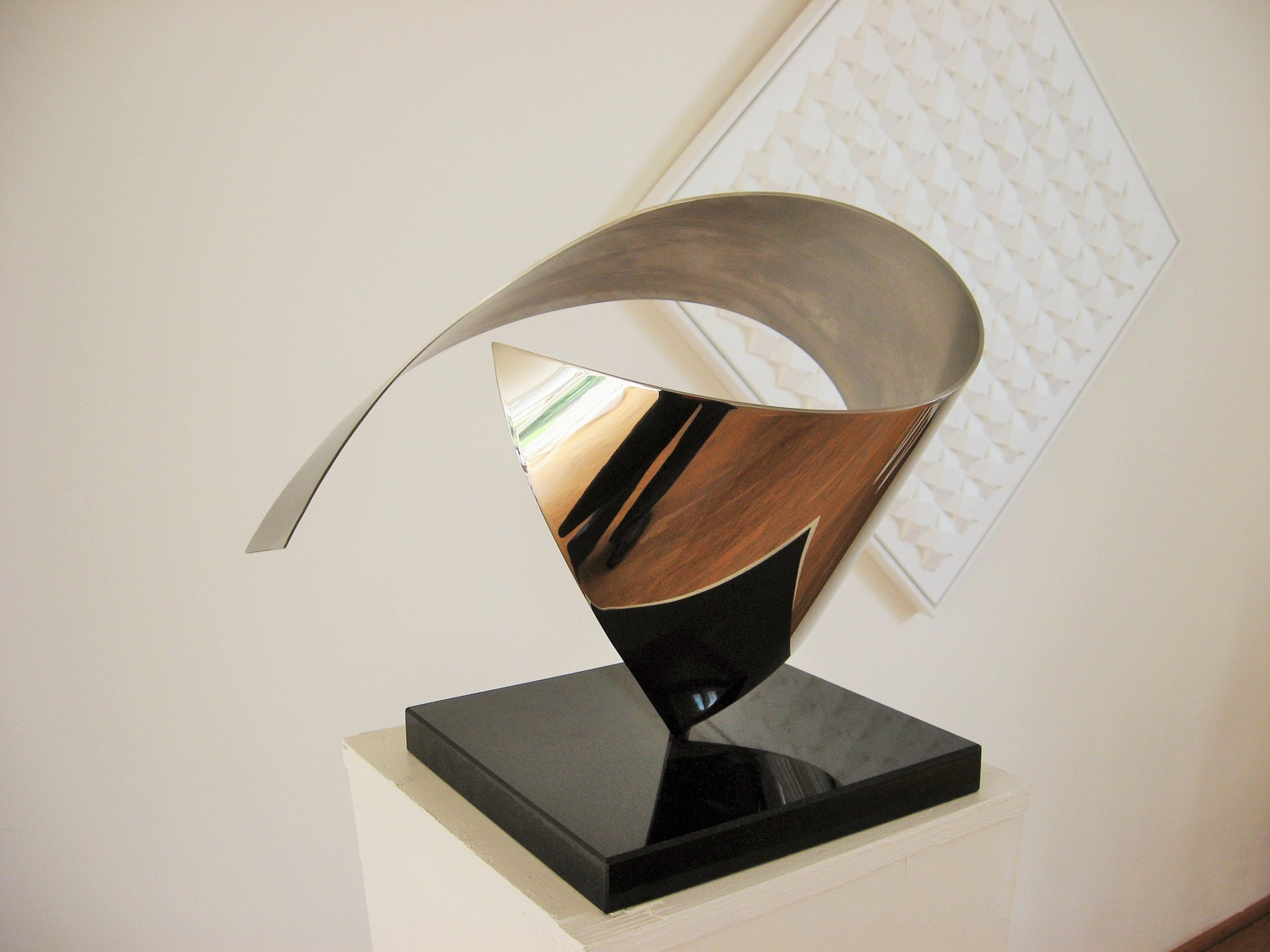 wave elegant abstract sculpture
