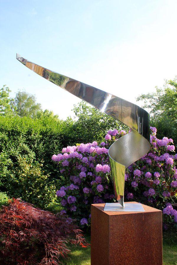 """""""de Dans"""" RVS sculptuur"""