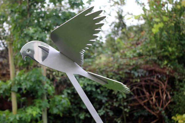 rvs-vogelbeeld-valk zijzicht