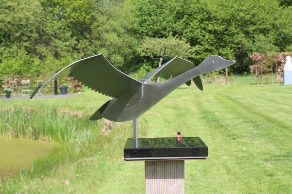 Stainless steel swan statue