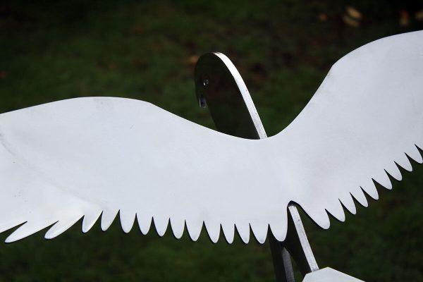 vogelbeeld valk RVS