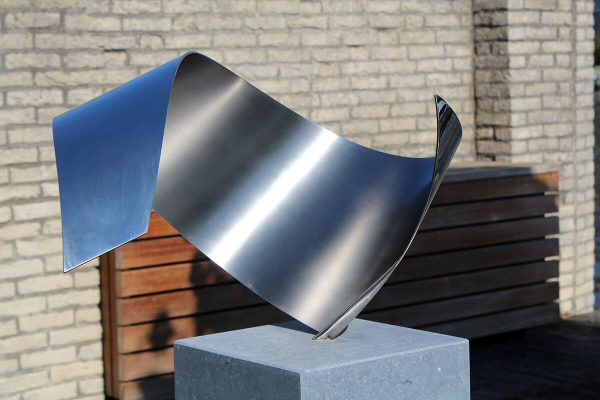 Wave- exclusief sculptuur van RVS voor tuin en terras
